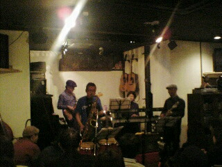 ライブが始まりました。